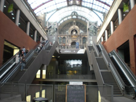 Antwerp Central Station - Looking Up