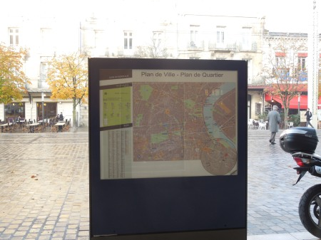 Greeted By A Map In Bordeaux