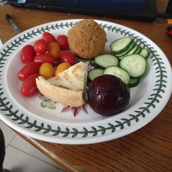 Quiche, Scotch Egg And My Favourite Salad Vegetables