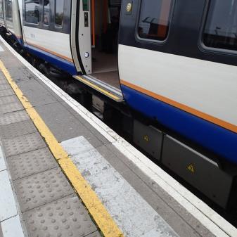 Train/Platform Gaps At Willesden Junction