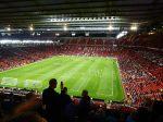 Old Trafford Fills Up