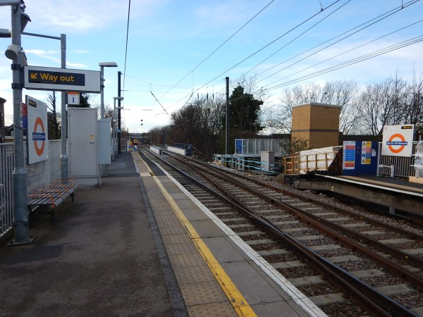 Platform Extensions At South Tottenham Station