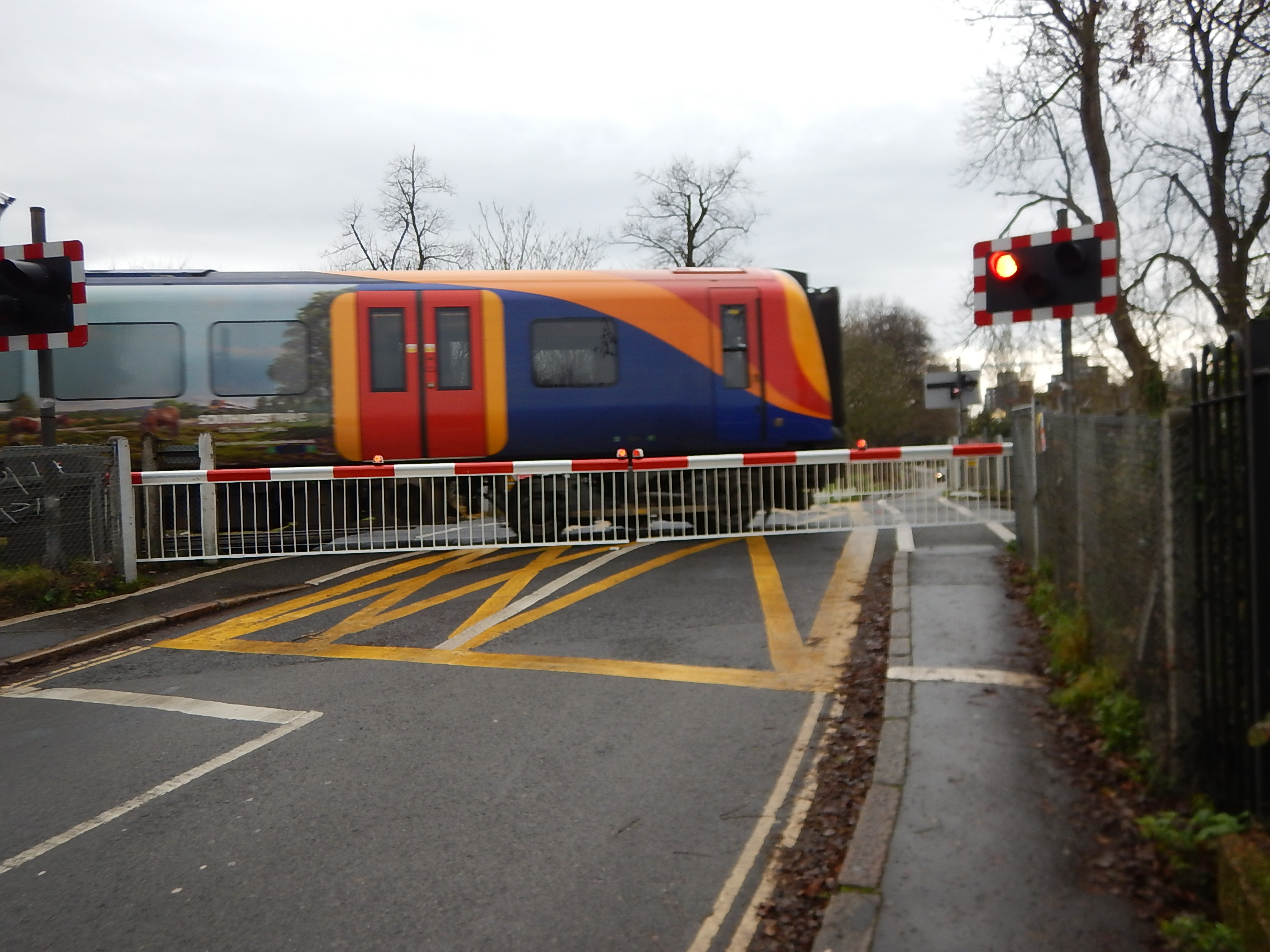 A Pair Of Level Crossings At Vine Road, Barnes « The ...